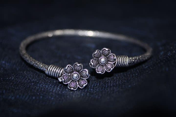 Handmade Flower bracelet 3