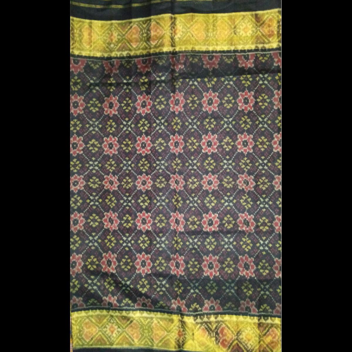 Handmade Handwoven Patan Patola Silk Saree 3