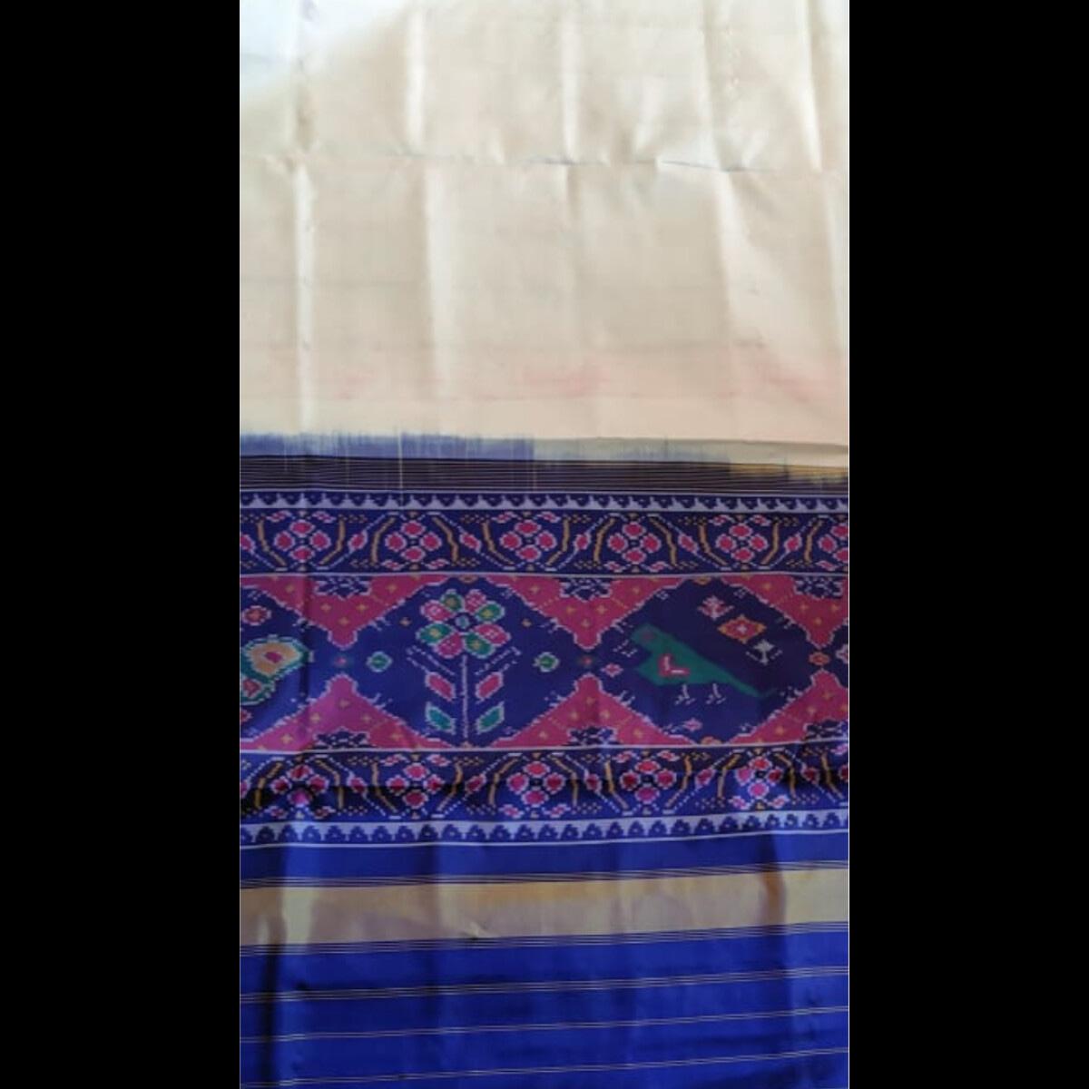 Handmade Traditional White Patola Gala Saree 3