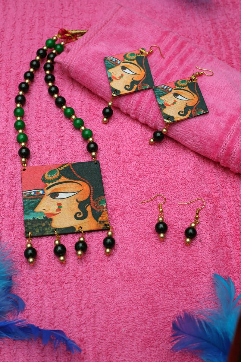 Handmade Wooden & Pearl Necklac 3