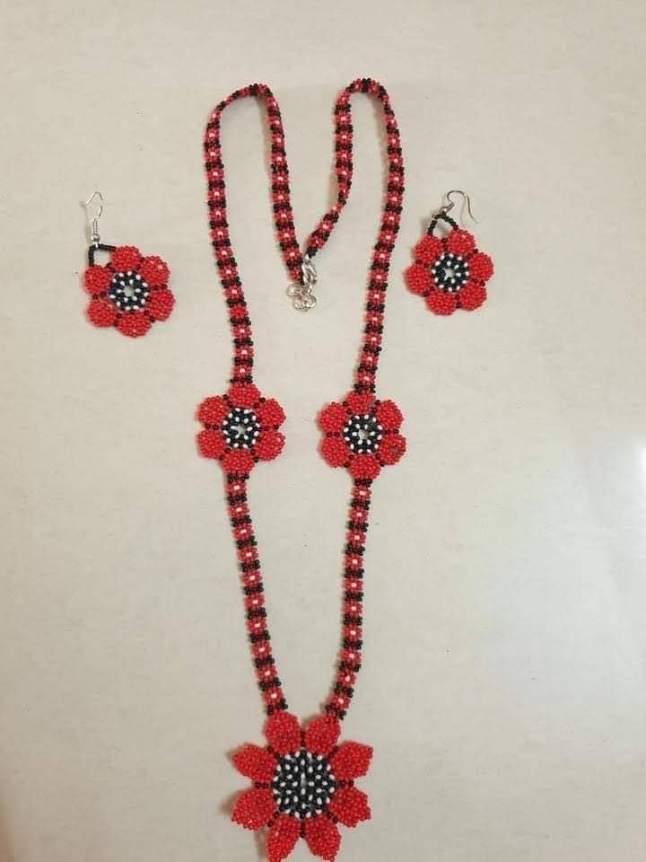 Handmade Seed-bead necklace set 3