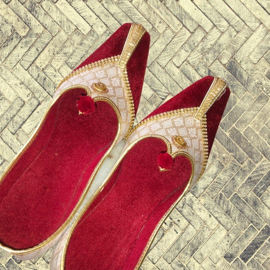Handmade Red Velvet Mojari 4