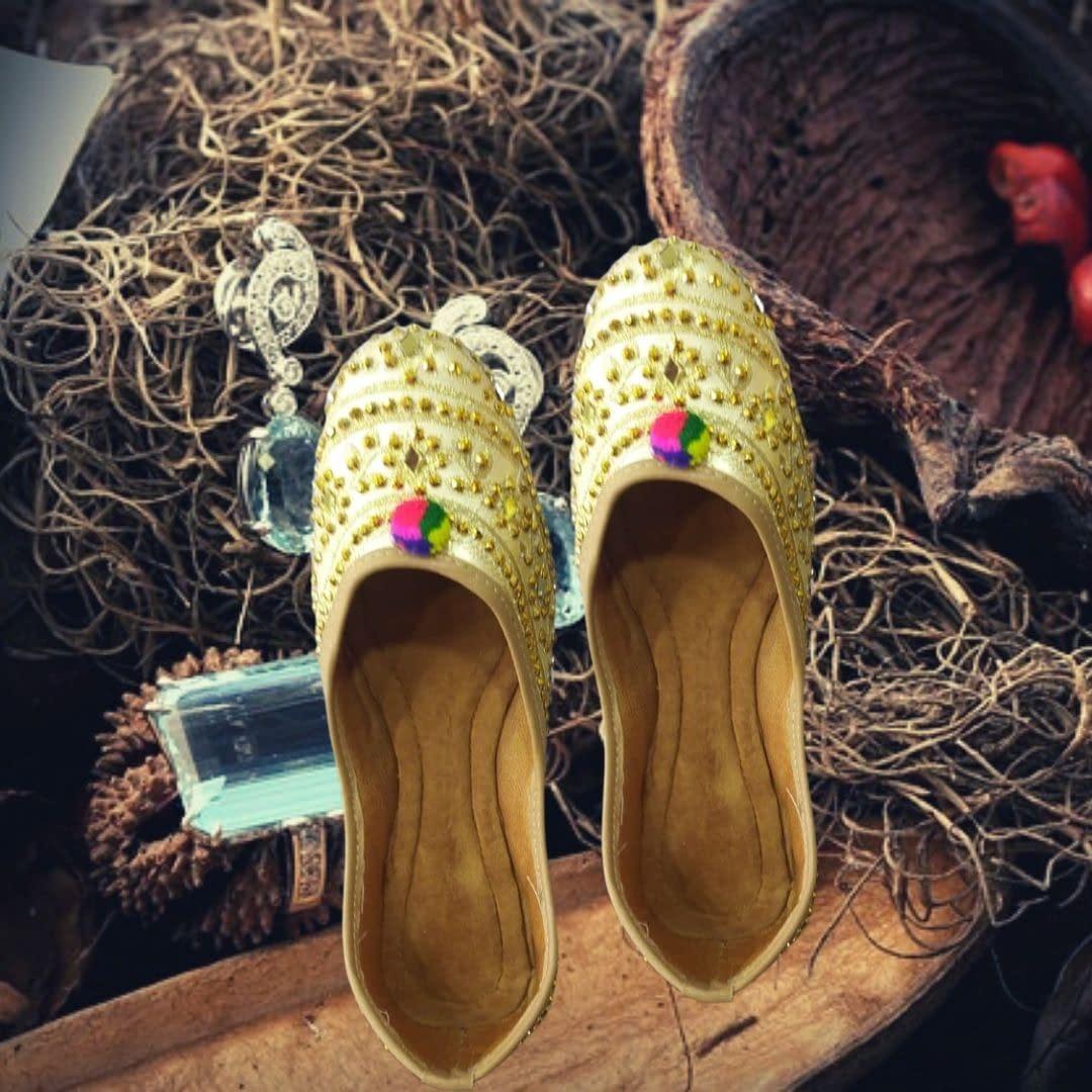 Handmade Golden Mojari with Phool 3