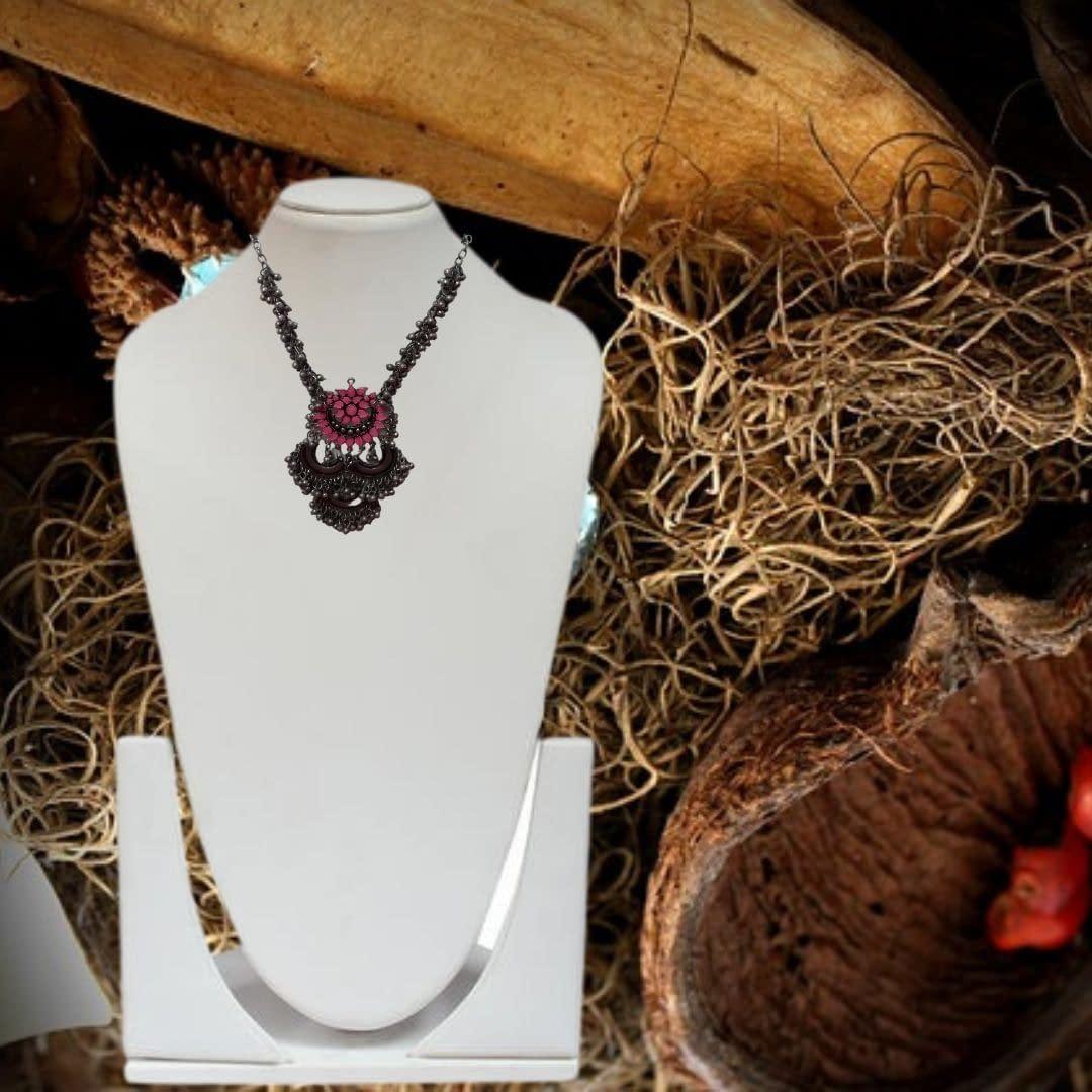 Handmade Tribal Look Necklace 3