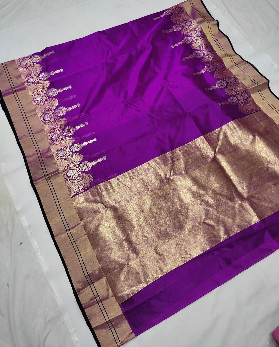 Handmade Chanderi kataan silk saree, with nakshi border 3