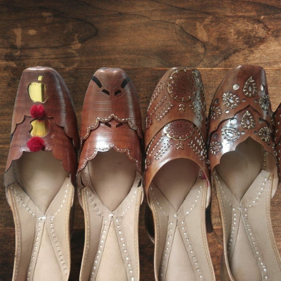 Handmade Royal Design pure leather Mojari 3