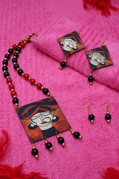 Handmade Wooden & Pearl Necklace