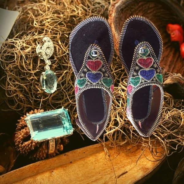 Handmade Stylish & comfortable Mojari