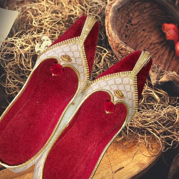 Handmade Red Velvet Mojari