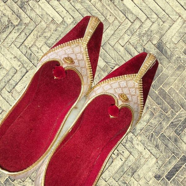 Handmade Red Velvet Mojari 3