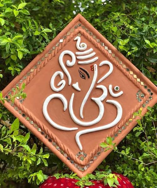 Handmade Lippan art ganesha